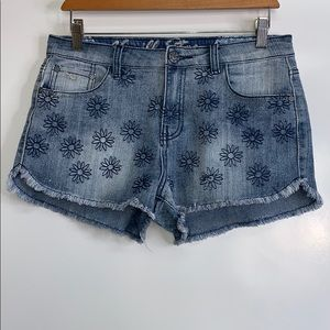 Vanilla Star Shorts - VANILLA STAR • Daisy Cuttoff Denim Shorts